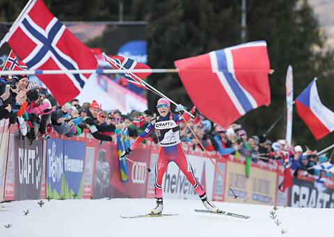 Therese Johaug all'arrivo del Tour de Ski (foto Newspower)